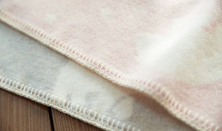 綿毛布でつくった シロクマ柄 クウォーターケット