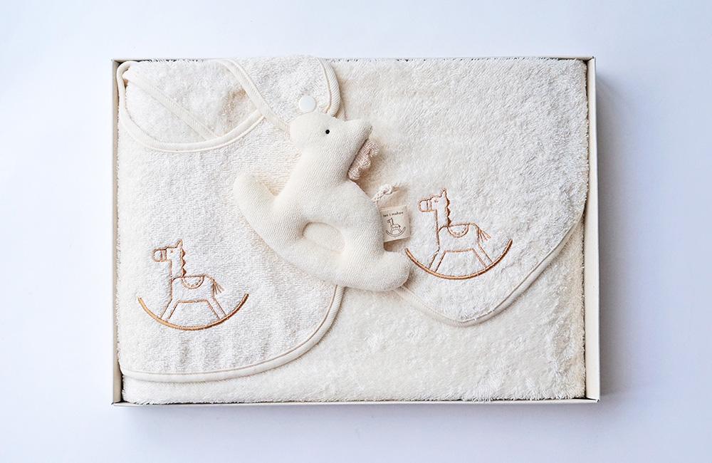 ベビー ギフトセット 木馬刺繍